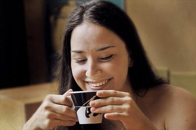 コーヒと女性